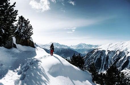 Itt a fagyos tél: Irány a hegyoldal