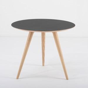 Arp tölgyfa kisasztal fekete asztallappal, Ø 55 cm - Gazzda
